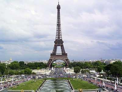 Новое правительство Франции начинает делать близкие обещания