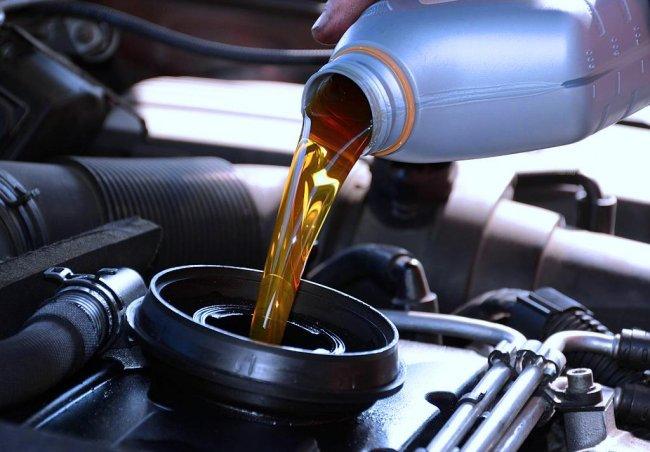 Особенности и виды моторного масла